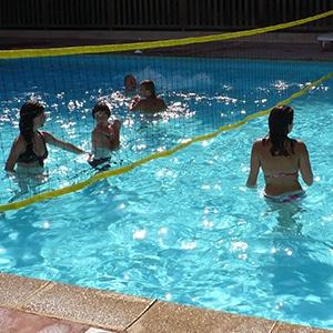 piscine-volley-ardeche-gite-vacance