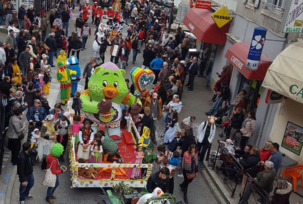 Le carnaval à Joyeuse sous un rayon de soleil